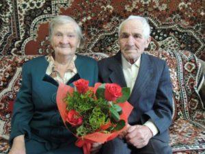 На фото: ветеран Великой Отечественной войны – Тронягин Александр Макарович с супругой Валентиной Семеновной
