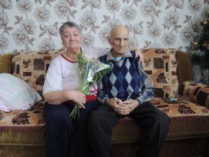 на фото: Стерляжников Аркадий Михайлович с супругой.