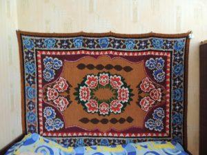 Одним из увлечений Анны Евстафьевны является вязание ковров.
