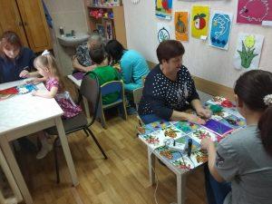 Совместная творческая работа педагогов, родителей и их детей