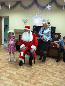 Малыши читают стихи Деду Морозу
